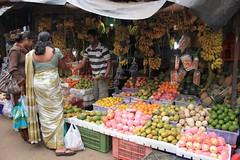 - Market of Nuwara Eliya - (dcem) Tags: market vegetable srilanka nuwaraeliya serendib ceylan 400d canonefs1855mm3556