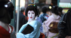 The geiko (geisha) Mamehana /  / Kyoto, Japan (momoyama) Tags: street city travel blue winter portrait people urban woman girl beautiful beauty face japan canon real photography japanese photo costume kyoto asia pretty traditional culture makeup geiko geisha wig 7d   kimono gion