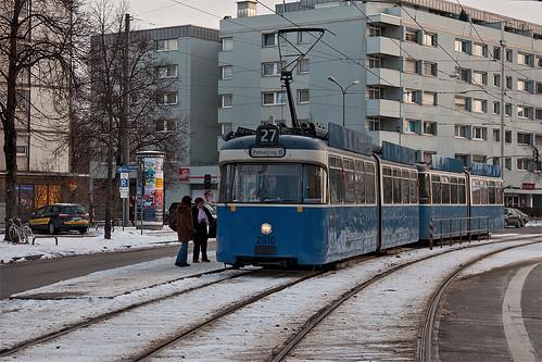 In Kürze wird Wagen 2010 von der Werinherstraße aus stadteinwärts fahren