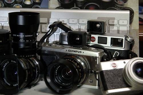 ミラーレスの主力 OLYMPUS PEN E-P1, Leica M6 と D-LUX-2