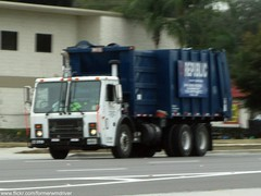 RWS Mack LE / Heil Recycler - 259 (FormerWMDriver) Tags: trash truck tampa garbage 2000 florida low collection le rubbish fl waste refuse recycle recycling mack entry sanitation heil recycler rws republicservices republicwasteservices