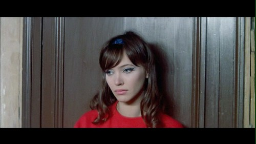 anna karina a woman is a woman