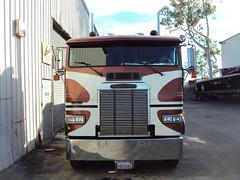 freightliner cabover (hanks1961kw) Tags: big diesel detroit rig v8 coe kenworth freightliner cabover largecar 8v92