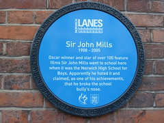 Photo of John Mills blue plaque