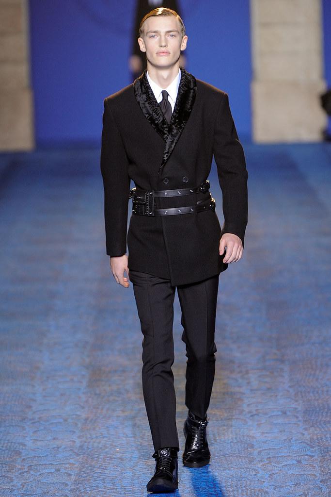 FW11_Milan_Versace001(VOGUEcom)
