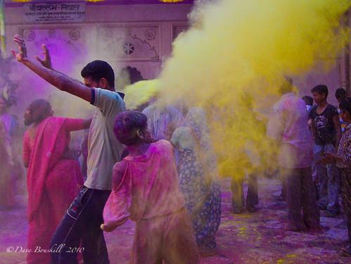 India-Holi-flying-color-festival