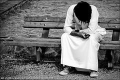 (Mohammed Almuzaini © محمد المزيني) Tags: mohammed هم شكرا محمد حزن فلكر فليكر حياكم ابداع اسود كام كاميرا كانون كرسي ابيض حزين يزيد المزيني ضيقه احادي احاديه almozaini