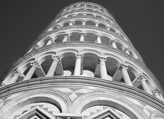 PISA TORRE PENDENTE BLACK AND WHITE (patrick555666751) Tags: pisatorrependenteblackandwhite pisa torre pendente black and white pise toscany toscane campo dei miracoli champ des miracles tour penchee italie italia italy europa schwarz und weiss blanco y negro noir et blanc rosso e nero preto branco toscana bianco i negre tower europe flickr heart group