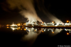 Industry by night (Bram Reinders) Tags: longexposure holland art industry industrial nederland thenetherlands le groningen industrie industrialart akzo farmsum industrialport tamronaf18250mmf3563diiildasphericalifmacro tamron18250mm tamron18250 sonyalpha700 bramreinders wwwbramreindersnl akzoterrein nieuwsgierigheidisdebronvanallekennis curiosityisthesourceofallknowledge bramreindersfarmsum