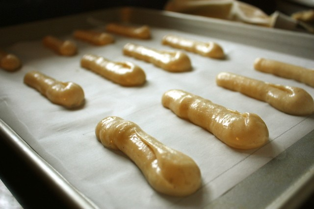 Piped eclairs