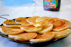 (R..W  ) Tags: morning blue breakfast circle mini delicious honey syrup pancake chambers