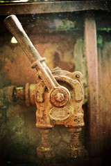 King valve (Ysalis.net) Tags: urban abandoned train 35mm rusty abandon urbanexploration 5d rouille urbex urbaine abandonné urbanurbex