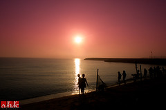 340/365 - Early birds (.:shk:.) Tags: trip camping school camp sky water silhouette sunrise children sand desert beaches colourful beachclub shk canoneos500d akisbs shkarim sogirkarim sogskarim