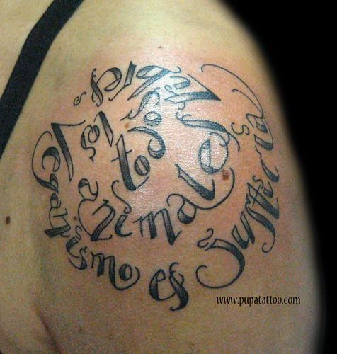 Tatuaje letras Pupa Tattoo Granada