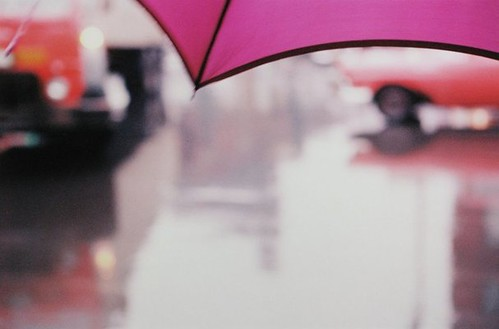 Saul Leiter, Untitled pink umbrella, c. 1950