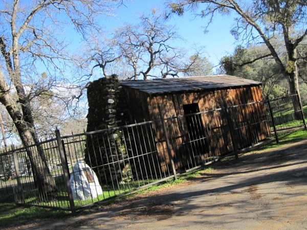 Highway 49 (Mark Twain Cabin)