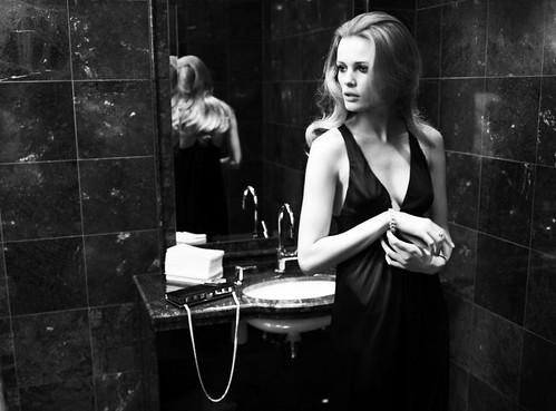 Edita-Vilkeviciute-Mario-Testino-Fashiontography-1