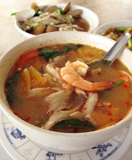 seafood tom-yam