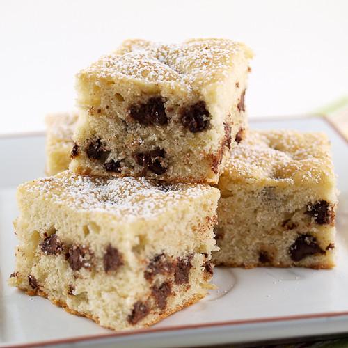 Chocolate Chip Banana Blondie Cake