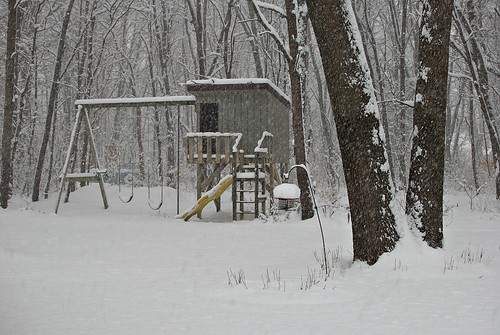 snow2-backyard