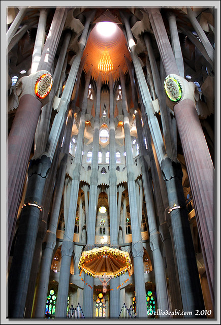 3 interior Sagrada Familia