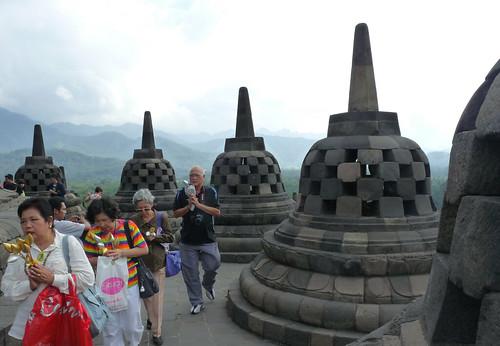 Borobudur – Buddha v náruči sopek