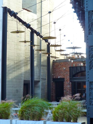 P1040011_www.stylezoomer.com_standard_hotel_ny