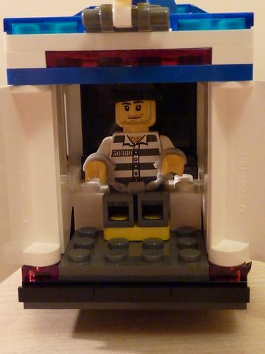Lego: Locked up in Police van