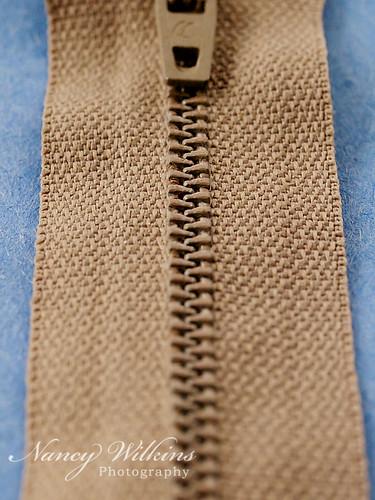 18/365 zipper