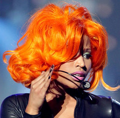 nicki-minaj-orange-hair-2