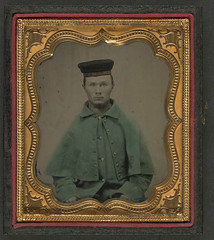 "[Unidentified soldier of the 12th Illinois Volunteers, ""The First Scotch Regiment"" in greatcoat and tamoshanter cap] (LOC) (The Library of Congress) Tags: soldier uniform unitedstates military civilwar american libraryofcongress americancivilwar uscivilwar xmlns:dc=httppurlorgdcelements11 dc:identifier=httphdllocgovlocpnpppmsca26917"
