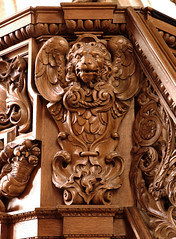 Lier, Vlaanderen, Sint-Gummaruskerk, pulpit, cuppa, detail (groenling) Tags: wood saint angel belgium marcus mark lion belgi carving be cherub engel pulpit hout woodcarving lier flanders cuppa leeuw evangelist vlaanderen quellijn preekstoel sintgummaruskerk houtsnijwerk verbruggen snijwerk quellinus