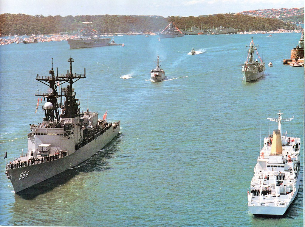 Oct 4, 1986: The 8040 ton Spruance Class missile destroyer USS Paul F. Foster passes the reviewing ship HMAS Cook - Photo RAN Official.