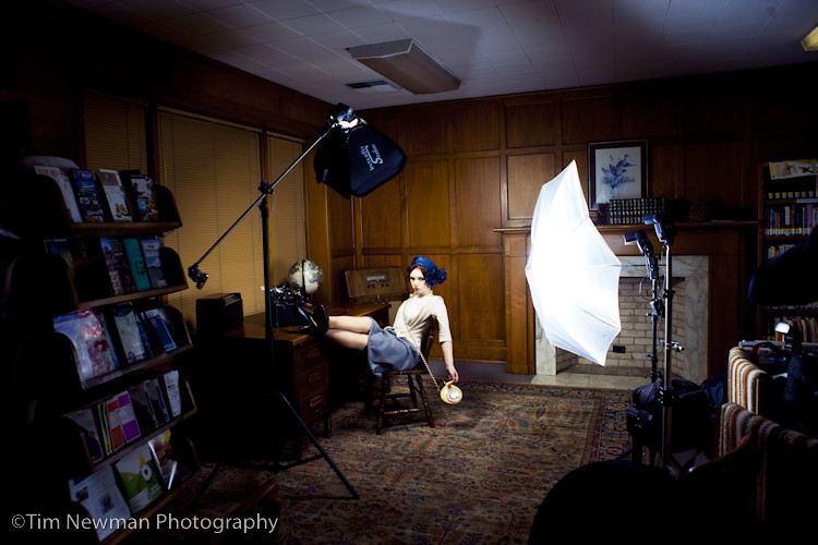 1940s secretary shoot-BTS Strobist set up