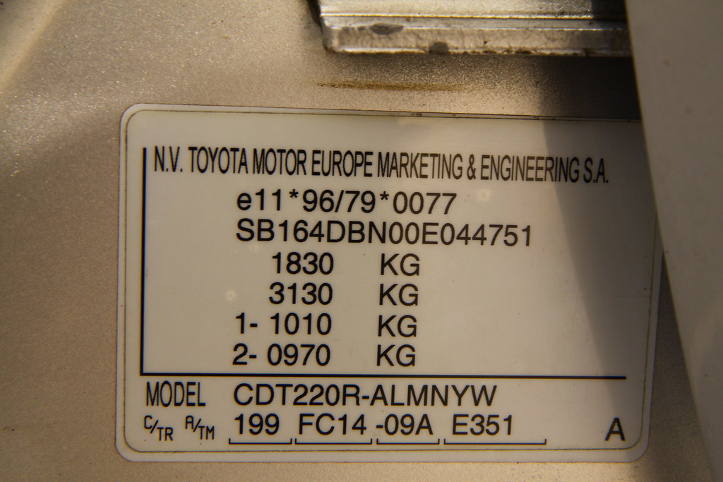 Toyota Avensis 2001 VIN Number IMG 2163