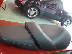 Tapizado de asientos de moto (TAPIAUTO TAPICERIA INTEGRAL DEL AUTOMOVIL) Tags: moto asientos tapizado