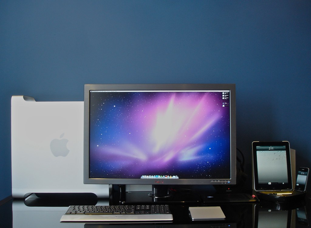 Mac Pro Desk Setup Nov '10