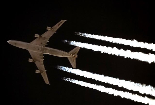 Contrail photos - Page 4 5271095042_7f7484188c_z