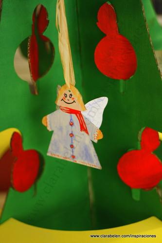 """""""arbol de navidad de Dideco"""" recortable carton cartulina Manualidades navideñas para niños: árbol de Navidad grande recortable de cartón comprado en Dideco"""