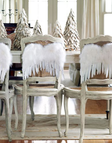 christmas-decorating-angel-wings-1210-de-35266060