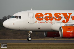 G-EZAF - 2715 - Easyjet - Airbus A319-111 - Luton - 100201 - Steven Gray - IMG_6752