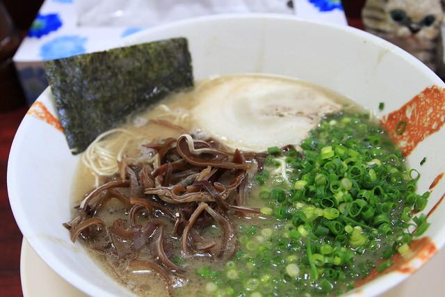 おいしい豚骨ラーメンのスープは臭くないんです。 山●家、家系「…」