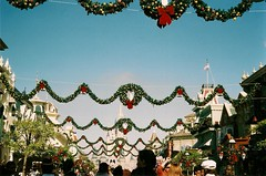 (kerri) Tags: christmas entrance disney