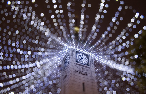 christmas white tower clock night brighton bokeh decoration illuminations illuminated clocktower led ボケ ボケ味 暈け