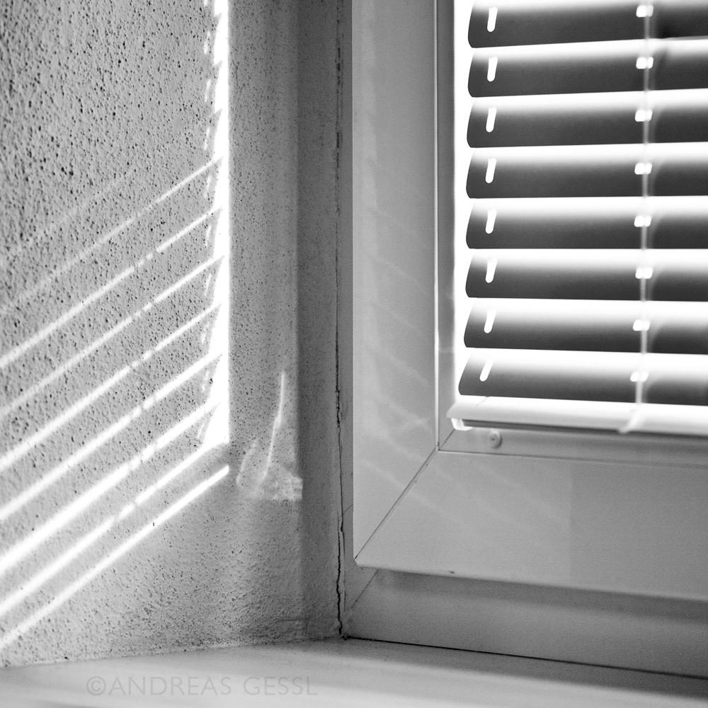 jalousie zugschnur velux with jalousie zugschnur elegant beim montieren des zugbandes und. Black Bedroom Furniture Sets. Home Design Ideas