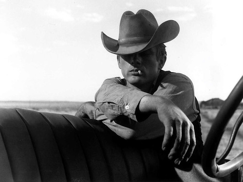 james-dean-giant-photograph-still[1]