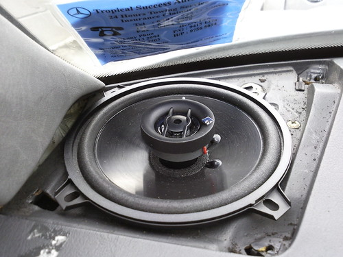 Factory fitted w124 front speakers? | Mercedes-Benz Owners