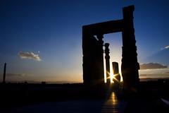 Persepolis [load I] (mimmopellicola) Tags: sunset sun iran  irn iraan  persepoli    iro  iranas  rn    aniarin    irna