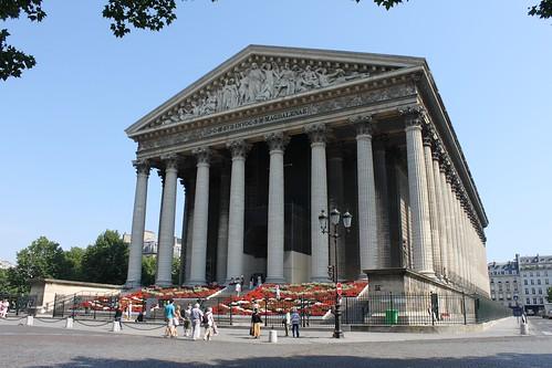 Eglise de la Madeleine, Place de la Madeleine