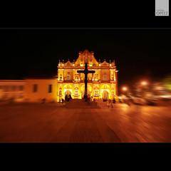 Cathedral of San Cristobl de las Casas. (malina.opitz) Tags: red rot night noche cathedral nacht kathedrale catedral roja cristobaldelascasaschiapasmexikomexicohochlandzentralamerikatravelphotographyreisefotografietravellingviajereisecentralamericamittelamerikasancristobaldelascasassancasascristobl
